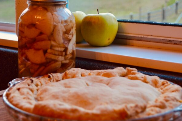 JAR OF APPLE PIE FILLING