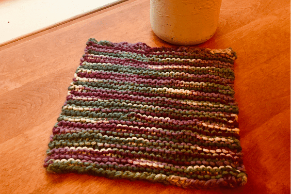 final easy peasy garter stitch knitted dishcloth final project as followed by the pattern